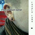 3mm Titantunnel frisch gepierct blacktitanium