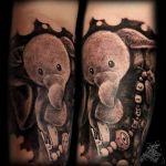 Black and Grey Tattoo von Xavielle Kuschelelefant