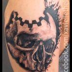 Black and Grey Tattoo von Xavielle Skull mit Blackwork