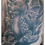 Black and Grey Tattoo von Xavielle Swinging Dragon