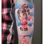 Comic Tattoo-Arm von Xavielle hier im Ausschnitt Penelope