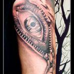Realistic Tattoo von Xavielle Auge mit Reissverschluss